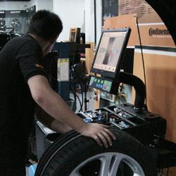 轮胎动平衡机MT845.AD