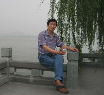为学校腾飞而埋头苦干的建设者——访中国地质大学(北京)资产处张建国副处长