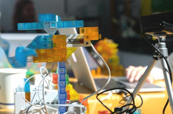 KOOV教育机器人开启高科技武装下的编程探索之旅