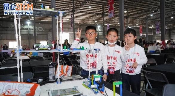 Robotex世界机器人大会全国总决赛昂立斯坦星球(原昂立STEM)战队全员获奖