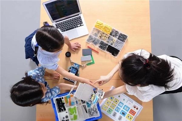 昂立STEM宣布完成一亿元B+轮融资,计划3年内实现300家线下校区目标