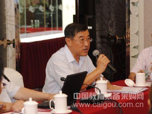 图为中国图象图形协会秘书长刘凯龙致辞
